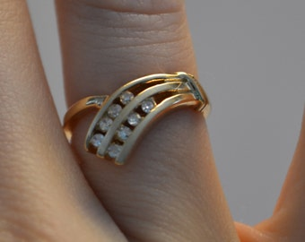Vintage 10K Gold and Diamond Ring – Great Classic Design – Size 4 –pp6