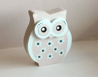Hand painted owl ornament, shabby chic owl, folk art, small wooden owl
