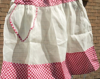 Vintage / Half Apron / Hostess / Red and White Gingham / Retro