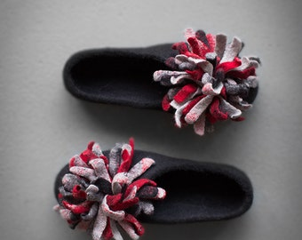 Black slippers for women Felted house shoes oversized flower Grey red petal flats pompom Valentine's day gift for her Limited edition