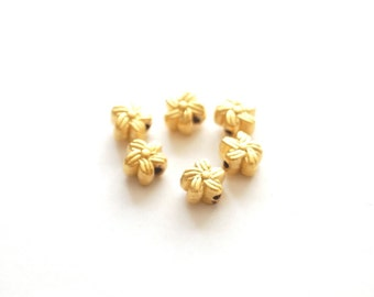10 pcs -Matte Gold Plated Flower tiny  spacer, charm, beads-6x6x1mm (009-005GP)