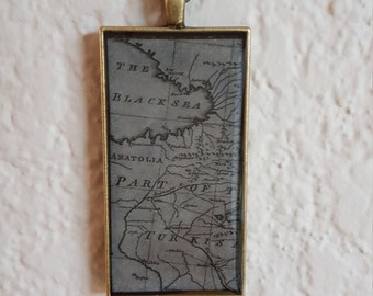 Black Sea Map Resin Pendant and Chain/Resin Map Necklace/Resin Map Pendant/Resin Necklace and Chain/Resin Jewelry/Resin Jewellery