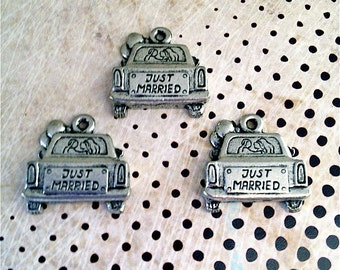 Just Married Car Charms --3 pieces-(Antique Pewter Silver Finish)--style 858-Free combined shipping