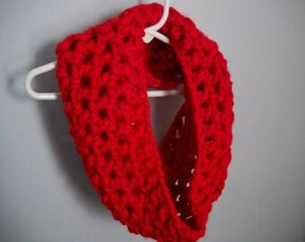 Red Chunky Yarn Cowl