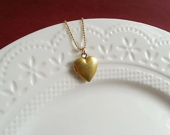 Heart Locket Necklace. Small Heart Locket. Brass Locket. Keepsake. Vintage Heart Locket. Heart Necklace. Christmas Gift. Keepsake