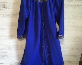 Vintage housecoat women's blue house jacket merville USA sleepwear polyester blue snap