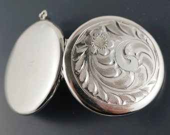 VINTAGE STERLING locket  - Silver Circular Locket -  Flower Locket -  Wedding Locket -  Engraved - Fostner No.001341 cs