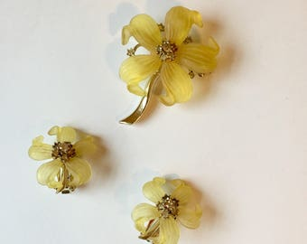 Jewelry Set 1950s 1960s Brooch and Clip-On Earrings Yellow Flowers Rhinestones Matching Set Mid Century Costume Jewelry
