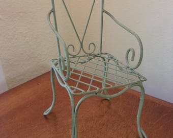 metal chair,green metal,doll chair,outdoor style chair,patio chair,scroll designs,heart design,home decor,cottage chic,shabby chic decor