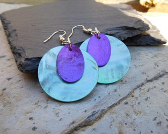 Layered disc earrings, made of shiny shell in contrasting Turquoise Blue and Purple.