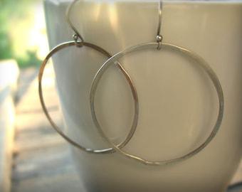 Medium Sterling Silver Hoop Earrings, Hammered Metal, Open Circle Earrings - Simplicity