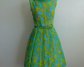 60s green PAISLEY day dress fit and flare size medium petite