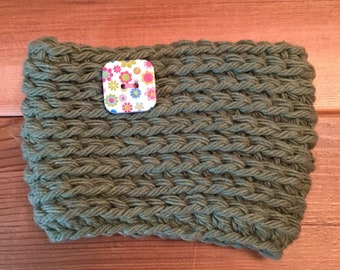 Crocheted reusable coffee coozie/sleeve