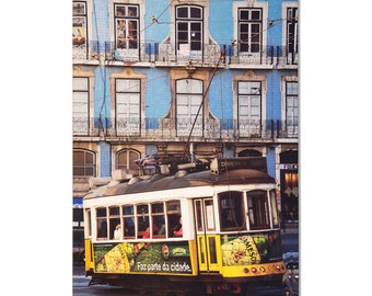 Color-intensive photo image on canvas, Lisbon - available in various sizes!