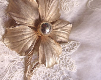 Mod Flower Pin 1960's Vintage Brush Gold Tone Signed Pastelli Brooch Summer vintage costume jewelry wedding bouquet