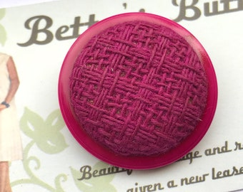 Vintage Buttons - pink fabric button