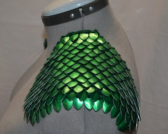 Armor Epaulets in Dragonhide Knitted Scalemail Green with silver chains custom for C.