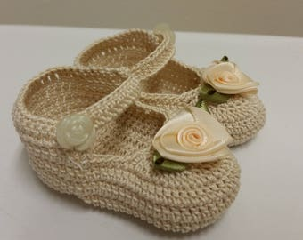 Baby Girl Booties, Crochet Mary Janes,  Newborn Baby Girl Booties Cream Rose Flowers Mary Jane Shoes, Christening, Baptism, Baby Shower Gift