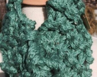 Lightweight hand-knit cowl