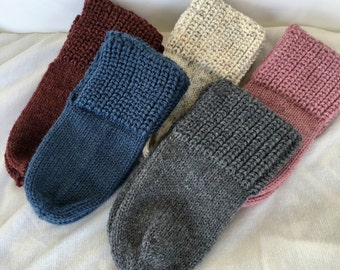 Simple House Slippers, wool slippers, house slippers, simple slippers, basic knit slippers, free shipping, quiltery