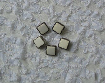 Bag of 5 buttons B16 white 1.8 cm