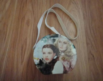 Wizard of Oz Round Tin Tote Small Lunchbox or Purse with Strap