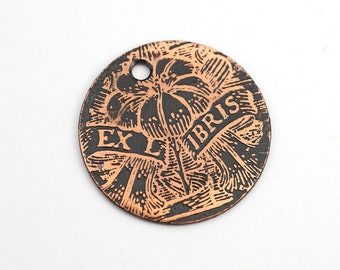Copper flower charm, round flat etched copper ex libris bookplate focal point, 25mm