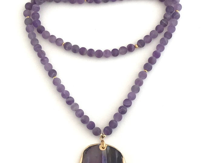 SPRING matte amethyst beaded necklace with agate focal stone