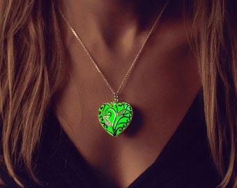 Green Glow in the Dark Heart Necklace // Glow in the Dark Jewelry // Statement Necklace // Silver Heart Necklace // Glow Pendant