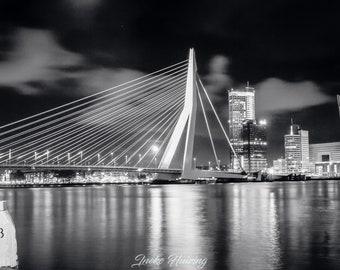 Erasmusbrug, Rotterdam, bij nacht