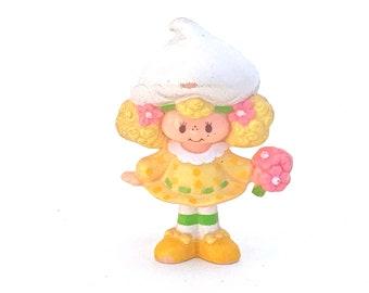Lemon Meringue with a Bouquet | Kenner Strawberry Shortcake Plastic Figurine | Vintage 1980s PVC Strawberryland Mini