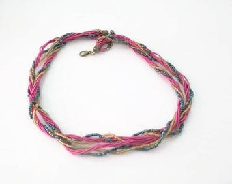 1 Choker 44cm nylon thread in pink and blue and gold seed beads