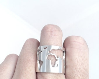 World Map Ring / Travellers Ring / World Ring / Silver Globe Ring