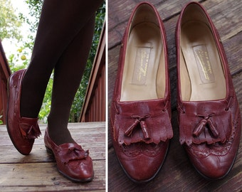 OXFORD 1970's 80's Vintage Brown Leather Flats with Tassels // size 7 M // by ETIENNE AIGNER