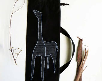 Black bread linens storage for french baguette bread embroidered giraffe, baguettes bags french style, french kitchen bread storage bag