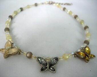 3 strass papillons - collier gris, jaune et crème - cristal, perles acryliques - mode Bijoux - Collier Summer - Extension chaîne