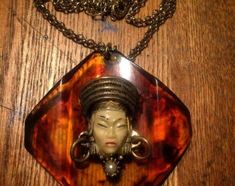 Selro Selini Bakelite pendant Cream Asian Princess