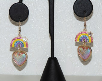 Handmade Rainbow Dangle Earrings...very pretty!