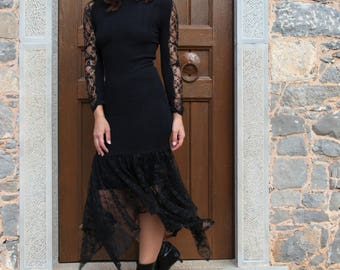 Vintage  black asymmetric stretch lace dress.one/size