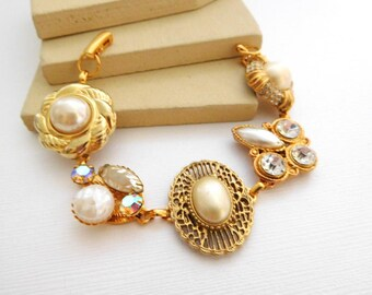 Altered Vintage Victorian Glam Crystal Rhinestone Gold Pearl Charm Bracelet II12