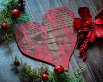 red holiday heart wall art