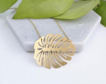 Monstera Leaf Necklace   ATL-N-169