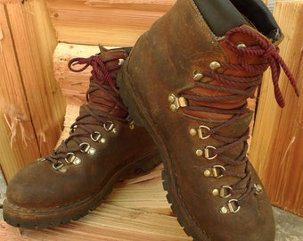 Vintage RAICHLE SWITZERLAND Mens Brown Leather Hiking MOUNTAINEERING Boots 10.5