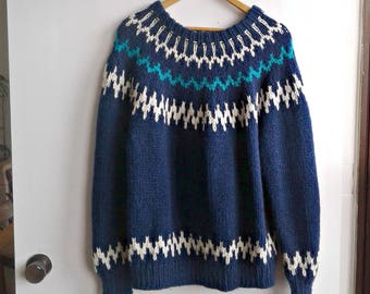 SALE--Vintage Navy White and Emerald Hand Knit Ski Sweater
