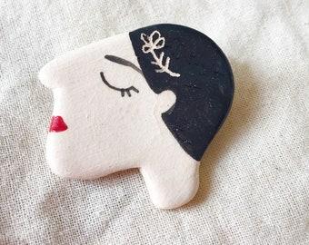 Profile ceramic brooch