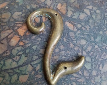 """Vintage Brass Number 2 Home Address Curvy With Great Patina 3"""" Tall, Salvage Metal Hardware Gallery Wall Art, Altered Art Supplies"""