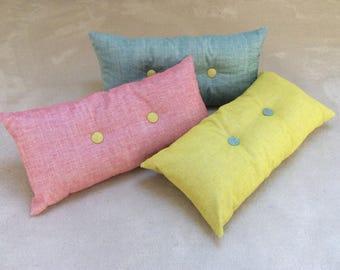 Pillow long 60x30cm buttoned