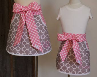 Mother Daughter Apron - Adult Apron - Child Apron - Personalized Apron - Baking Apron - Gray Quatrefoil with Pink and White Polka Dot Apron