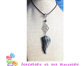 Necklace hematite wing and his entrelac