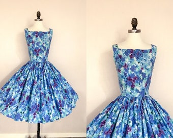 Vintage 1950s Blue and Purple Floral Cotton Full Skirt Party Dress XS